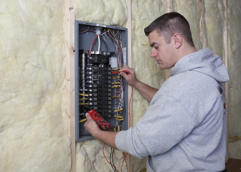 Residential Electrician Lowell MI